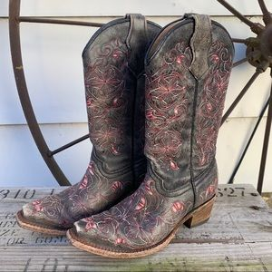 Corral distressed black floral snip toe boots